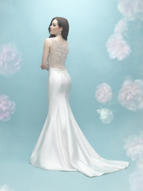 Back view Allure 9451