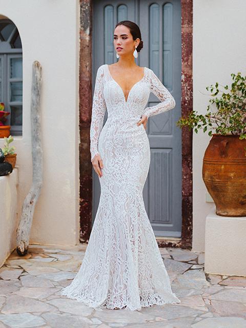 F166 Valentina Wilderly Brides Long Sleeved Wedding Dress